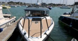 XO 270 RS front Cabine